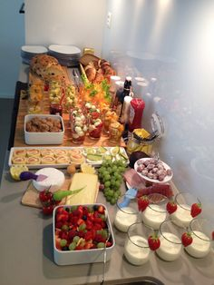 brunch - … It was far too much again . but delicious' -Sunday brunch - … It was far too much again . but delicious' - Brunch Buffet, Party Buffet, Breakfast Buffet, Birthday Brunch, Brunch Party, Birthday Breakfast, Mothers Day Brunch, Sunday Brunch, Catering Food