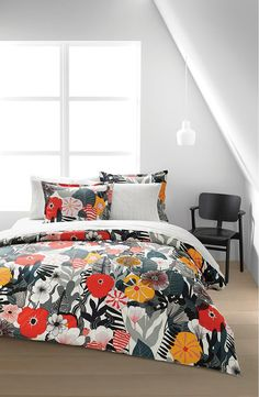 Marimekko bedding features a modern designs on superior cotton percale fabrics. Duvet cover has a self-reverse and inside ties that keep the comforter from slippng. Breathe new life into your bedroom with a new bedding ensemble from Marimekko bedding. King Duvet Set, Queen Duvet, Duvet Sets, Duvet Cover Sets, Marimekko Bedding, Marimekko Fabric, Villa, Home Decor Styles, Decoration