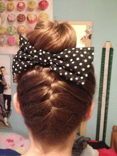 A good way to keep the back of the hair neat for a bun. #dance #bun #frenchplait
