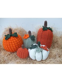Halloween Centerpiece Pumpkins Create a pumpkin centerpiece for your next party. Free crochet pattern for the pumpkins. Crochet pumpk...