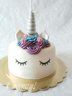 Cake unicorno  Base di pan di spagna con crema di nutella ✔ Fb. Francy's Cakes  www.facebook.com/cakesfrancys/ Instagram. francyscakes