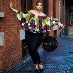 Smart Ways to Combine Ankara Tops With Jeans In 2020 African Blouses, African Tops, African Wear, African Attire, Ankara Tops Blouses, African Style, Latest African Fashion Dresses, African Print Dresses, African Dresses For Women