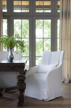 love these linen chairs