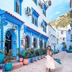 Tengo una hermosa coleccin de fotos muuuy azuladas en esta Palomino, Mansions, House Styles, Backpacking, Paths, Getting To Know, Entryway, Beach, Sweetie Belle