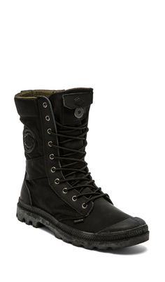 Palladium Ballistic Nylon & Specialty Leather Combo Pampa Tactical in Black/Metal en Black & Metal | REVOLVE