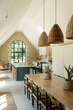 Rustic Home Decor My Favorite Pins of the Week - Devol Kitchens.Rustic Home Decor My Favorite Pins of the Week - Devol Kitchens Home Decor Kitchen, Kitchen Interior, Barn Kitchen, Kitchen Industrial, Industrial Chic, Kitchen Brick, Kitchen Ideas, Studio Kitchen, Cozy Kitchen