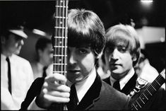 Sir Paul considera los cursos de música popular centrados en los Beatles &qout;ridículos, aunque muy halagadores&qout;. El ex beatle estaba participando en un Q&A a través de su página oficial, e hizo esas declaraciones enrespuesta a un estudiante de música popular que le interrogó sobre qu…