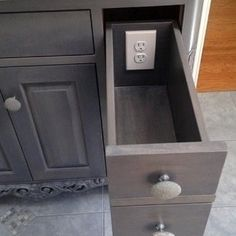 33 Insanely Clever Upgrades To Make To Your Home Recessed Outlets, Small Dressing Rooms, Kitchen Must Haves, Kitchen Ideas, Small Doors, Upstairs Bathrooms, New House Plans, Storage Design, Home Organization