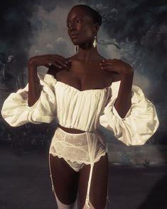 Work of art 🎨 by model . Black Girl Magic, Black Girls, Black Women, Look Fashion, Fashion Outfits, Fashion Design, Pretty People, Beautiful People, Foto Portrait