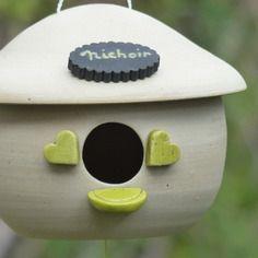 Nichoir en terre cuite, ceramique emaillee raku avec suspension