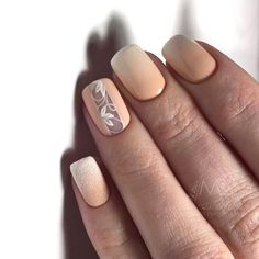 Accurate nails, Beige nail art, Fashionable gradient nails, Gentle gradient nails, Ideas of gradient nails, Nails trends 2018, Painted nail designs, Short beige nails