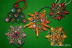 Stelle di Natale di pasta, classiche ed eleganti...stelle di Natale di pasta, per decorare l'albero, la casa e aggiungere un pizzico di riciclo creativo al vostro Natale http://blog.funlab.it/2013/11/stelle-di-natale-di-pasta/