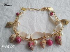 Bracelet breloques coquillages et perles roses et blanches : Bracelet par les-babioles-de-babi