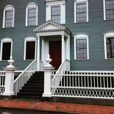Graham Gifford @ggifford3 Instagram photos Midgard-Ladd House & Garden in #Portsmouth #NewHampshire. Beautiful example of Georgian architecture. This historic site was home to two Declaration of Independence. Portsmouth is one of my favorite spots.