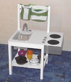 Kuchyňka ze staré židle.