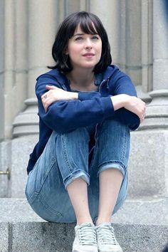 Dakota on set of 'How to be single' NYC