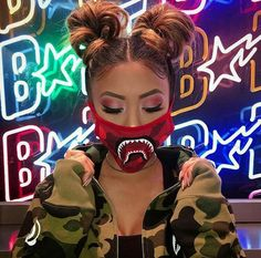 Do you like Bape? Tomboy Outfits, Cute Outfits, Edm Outfits, Divas, Versace, Looks Instagram, Streetwear, Coiffure Hair, Chica Cool