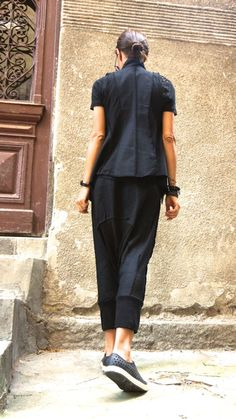 Black Linen Sleevless Top / Beautiful vest / Linen Vest