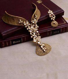 Joyalukkas Gold Necklace Set With Price Gold Plated Long Necklace Set With Price Fancy Jewellery, Gold Jewellery Design, Stylish Jewelry, Luxury Jewelry, Gold Jewelry, Statement Jewelry, Bridal Jewelry, Indian Jewelry Sets, Necklace Designs