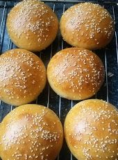 Helenkine dobroty - Kváskovanie Hamburger, Bread, Baking, Food, Google, Basket, Brot, Bakken, Essen