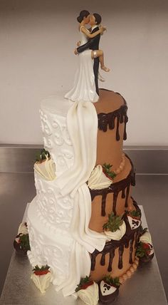 Custom wedding cakes from Tiffany Bakery in Philadelphia Phill . - Custom wedding cakes from Tiffany Bakery in Philadelphia Philly Bakery Beautiful Wedding Cakes, Beautiful Cakes, Amazing Cakes, Perfect Wedding, Funny Wedding Cakes, Wedding Humor, Wedding Day, Boho Wedding, Wedding Cake Designs