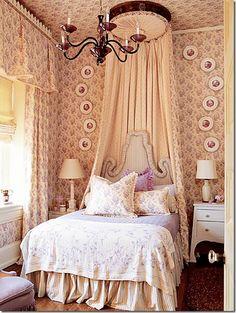 Hydrangea Hill Cottage: Bed Coronas