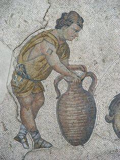 """Museo del Mosaico, Istanbul, Turchia.I mosaici del periodo giuistinianeo (525-565). L'importante testimonianza superstite degli splendori del """"Gran Palazzo"""", il palazzo imperiale di Costantinopoli. Il linguaggio che rimanda all'età ellenistica."""