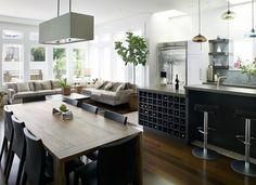 Otevřený obývací pokoj s jídelnou a kuchyní