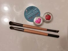 Real Girl's Realm: Love the Swirl and sparkle brush cleaner
