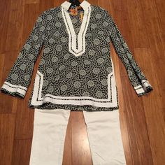 Tory Burch tunic - NWT - size 2 Tory Burch Turkish Star Tunic - NWT - size 2.        Navy and white print with white embroidery. 100% cotton. New condition - never worn. Classic and beautiful! Tory Burch Tops Tunics