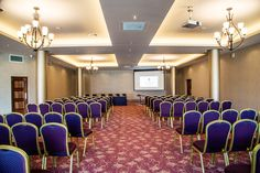 The Riverside Park Hotel is set in a scenic location, ideal for exploring the sights & attractions of the Sunny South East. Conference Meeting, Riverside Park, Team Building Events, Park Hotel, Home Decor, Art, Homemade Home Decor, Kunst, Decoration Home