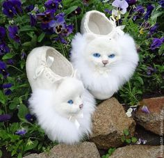 Buy Home Slippers felted 'White kittens'.White, slippers as a gift White Kittens, Cats And Kittens, Ragdoll Kittens, Bengal Cats, Kitty Cats, Baby Shoes Pattern, Felted Wool Crafts, Felt Shoes, Felted Slippers