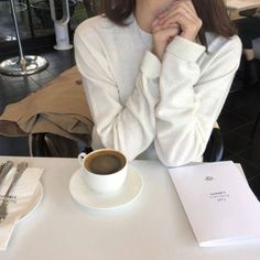 Online store to the best collections of whitty, funny Coffee cups and mugs, must have coffee accessories, gadgets and items. Classy Aesthetic, Aesthetic Coffee, Beige Aesthetic, Korean Aesthetic, Aesthetic Photo, Aesthetic Girl, Aesthetic Pictures, Look Fashion, Korean Fashion