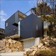 주택설계 - 급경사의 암질 지반에 계단식 구조로 지은 일본주택, Krampon house