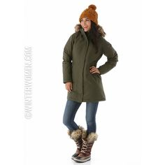Want the warmest winter coat out there for women this winter? The Arctic Parka from The North Face is just what you need!