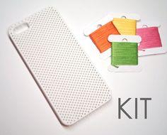 DIY Kit  iPhone 5 Needlepoint Case van notsomodernmillie op Etsy, $12.00