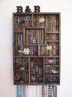 Chambre décor bijoux titulaire organisateur par barbwireandbarnwood