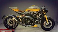 Ducati - Ducati Sud Belgio If re posting, please leave credits in place. Racing Motorcycles, Custom Motorcycles, Custom Bikes, Custom Bobber, Ducati Monster 1200, Ducati Monster Custom, Moto Ducati, Ducati Cafe Racer, Cafe Racers