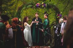Heather & Bobby's Lord of the Rings meets Game of Thrones fantasy wedding - Those sleeves! Viking Wedding, Renaissance Wedding, Geek Wedding, Celtic Wedding, Fantasy Wedding, Gothic Wedding, Forest Wedding, Dream Wedding, Wedding Scene
