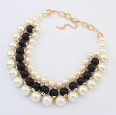 There is 0 tip to buy jewels, necklace, fashion accessory, fashion jewelry, fashion accessory. Hand Jewelry, Bead Jewellery, Jewelry Sets, Beaded Jewelry, Jewelery, Jewelry Necklaces, Beaded Bracelets, Diy Necklace, Necklace Designs