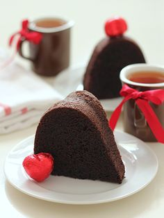 Another pinner: chocolate pound cake ..needs dutch processed cocoa powder, sour cream and cake flour. Though I'll prob try with Greek yogurt. <3 Dutch cocoa. Agree abt the yogurt - Serene :)