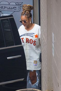 6644b5abfcd Beyoncé Rocks a Houston Astros Jersey While Grabbing Lunch With JAY-Z and  Solange