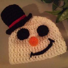 Baby Mr. Snowman Hat Crochet Newborn.Halloween crochet  #halloween #crochet ww.loveitsomuch.com