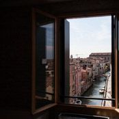 We_Crociferi è un'ottima soluzione per gli studenti e i turisti in cerca di una sistemazione a Venezia !! La struttura si trova a Fondamenta Nove, davanti all'isola di Murano. Un posto unico al mondo. Da visitare assolutamente !!!