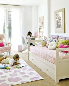 Girl bedroom design ideas: An effective tip is to use a variety of patterns and/or textures in every room. These patterns can help to enliven the attention and add interest to otherwise boring items. Girls Bedroom, Boy And Girl Shared Bedroom, Little Girl Rooms, Bedroom Decor, Bedroom Furniture, Ideas Habitaciones, Kids Bedroom Designs, Fashion Room, Kid Spaces