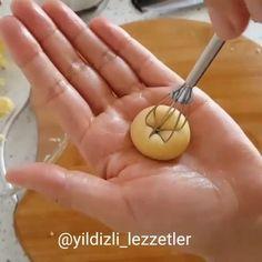 """3,467 Beğenme, 27 Yorum - Instagram'da Mine Kaydu (@hayatimmutfak): """"Arkadaşımız @yildizli_lezzetler - ellerinden nefis kurabiye tarifi ve şekilli modellerde kurabiye…"""""""