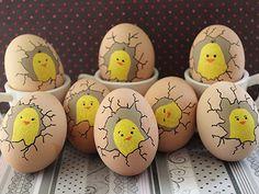 Csináld magad: tojásfestés kukucskáló kiscsirkékkel http://www.nlcafe.hu/otthon/20140410/csinald-magad-egyedi-husveti-tojas/
