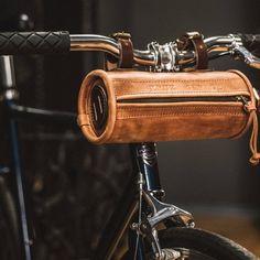 Leather bicycle bag Handcrafted bike bag by Kruk Garage Frame Leather Bicycle, Saddle Leather, Leather Bag, Bicycle Tools, Bicycle Bag, Bici Retro, Custom Choppers, Scrambler Custom, Custom Bikes
