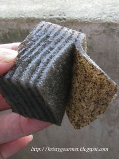 This black sesame kuih is actually originated from Hong Kong if not mistaken. It is one of the many popular dishes served in most of the ...
