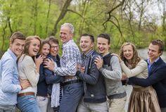 www.vierliefd.nl Familie fotografie Kockengen Harmelen bos familieshoot gezinshoot buiten spontaan Fotograaf: Jerny van Ginderen - Seeleman